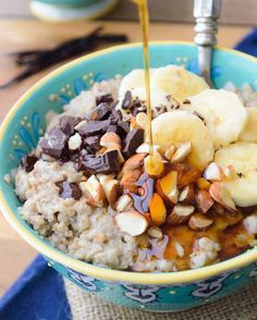 Slow Cooker Vanilla Bean Steel Cut Oats #slowcooker #oats #breakfast