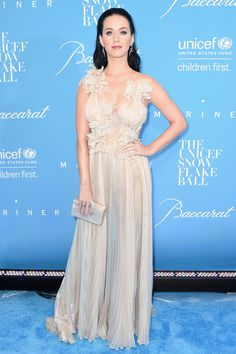 Katy Perry Photos Photos - Katy Perry attends the 12th Annual UNICEF Snowflake Ball at Cipriani Wall Street on November 29, 2016 in New York City. - 12th Annual UNICEF Snowflake Ball