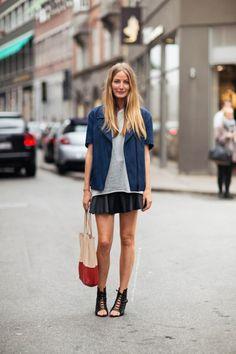 Seguimos obsesionados con las #faldas de cuero! No te quedes sin la tuya ahora con 20% off en http://www.lookhunters.com/losmasvendidos/falda-a-en-cuerina
