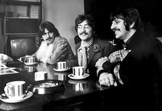 The Beatles featuring Paul McCartney George Harrison John Lennon and Ringo Starr Great Bands, Cool Bands, All You Need Is, The Ed Sullivan Show, Beatles Photos, John Lennon Beatles, Music Pics, Guitar Solo, The Fab Four