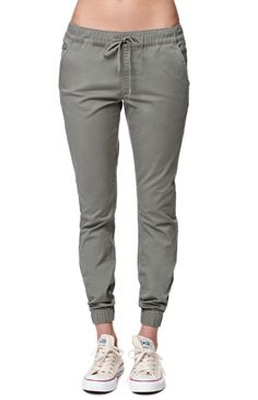 The women's Bullhead Denim Co. Chino Twill Drawcord Jogger Pants for PacSun and have a super comfortable elastic waistband with a drawcord. We love the relaxed fit and wear these with a basic tank and layer with a cardigan or jacket. Fashion Pants, Fashion Outfits, Womens Fashion, Sporty Fashion, Mod Fashion, Winter Outfits, Casual Outfits, Cute Outfits, Jogger Pants Outfit