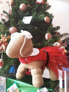 #vestidopapanoel #vestidomascotas #vestidonavidad #vestido #mascotas Dinosaur Stuffed Animal, Christmas Ornaments, Toys, Holiday Decor, Home Decor, Christmas Dresses, Fashion Trends, Pets, Activity Toys