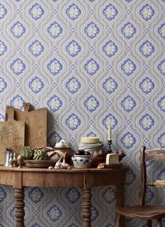 Sandberg Wallpaper's new collection Tradition is a cultural-historical narrative about the walls that are the backdrop to our lives. Hallway Wallpaper, Interior Wallpaper, Graphic Wallpaper, Bird Wallpaper, Geometric Wallpaper, Colorful Wallpaper, Fabric Wallpaper, Wallpaper Ideas, Swedish Wallpaper