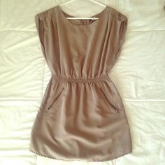 DIVIDED by H&M Size 6 dress gray Selling this dress size 6 gray/taupe color by H&M perfect for fall with leggings and booties Divided Dresses