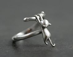 Sterling Climbing Cat ring. Little cat climbing up branches. 925 gift for her. Adjustable.