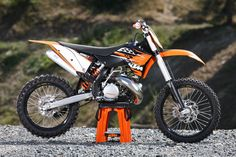 KTM 250 sx.... the Austrians have really stepped it up in the last few years.