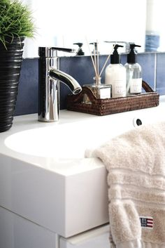 Bathroom, Zara Home, Newport rattan tray, Lexington. - Home Decor Zara Home Accessories, Bathroom Accessories, Decoration Inspiration, Bathroom Inspiration, Laundry In Bathroom, Small Bathroom, Zara Home Bathroom, Barn Bathroom, Bathroom Hacks