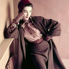 1952 Vogue Paris.