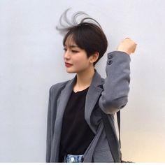여자 숏컷 스타일! 단발이 지겨워질땐 -차홍아르더 본점 이상미디자이너 가격 위치 : 네이버 블로그 Korean Hairstyles Women, Asian Men Hairstyle, Modern Hairstyles, Pretty Hairstyles, Japanese Hairstyles, Asian Hairstyles, Korean Short Hair, Short Hair Cuts, Hair Inspo