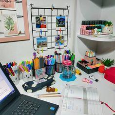 Study Room Design, Study Room Decor, Room Design Bedroom, Girl Bedroom Designs, Teen Room Decor, Room Ideas Bedroom, Diy Room Decor, Art Studio Room, Nice Handwriting