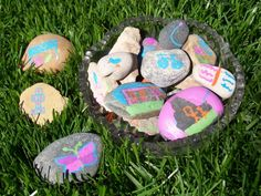 13 Outdoor Art Projects For Kids To Make Activities For Girls, Outdoor Activities For Kids, Fun Games For Kids, Easy Crafts For Kids, Projects For Kids, Art For Kids, Art Projects, Nature Activities, Therapy Activities