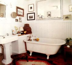 Perfect little claw foot tub