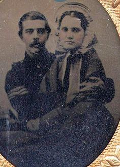 Vintage Pictures, Old Pictures, Old Photos, Antique Photos, Sitting On His Lap, War Image, Civil War Photos, American Civil War, American History