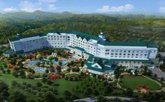 Dolly Parton's DreamMore Resort Opens in Pigeon Forge, TN with shuttle service to Dollywood and Dollywood Splash Country