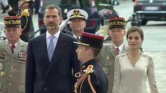 Hollande recibe con honores especiales a los Reyes en París | España | EL PAÍS