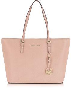 discount Michael Kors handbags on sale Michael Kors Jet Set, Cabas Michael Kors, Michael Kors Outlet, Handbags Michael Kors, Mk Handbags, Fashion Handbags, Gold Handbags, Boutique Michael Kors, Mk Purse