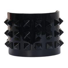 VALENTINO GARAVANI Rockstud large bracelet ($374) ❤ liked on Polyvore featuring jewelry, bracelets, accessories, black, pulseiras, nailhead bracelet, kohl jewelry, black bracelet, black studded bracelet and black bangles
