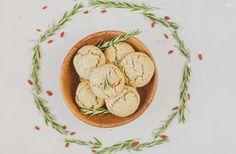 Rosemary scones Scones, Hummus, Pancakes, Breakfast, Ethnic Recipes, Food, Herbs, Ethnic Food, Morning Coffee
