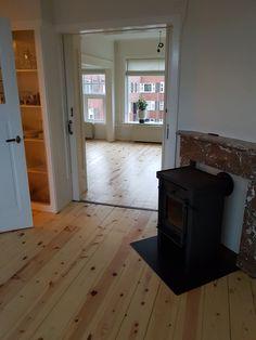 Grenen vloer geschuurd  gelakt Home Decor, Decoration Home, Room Decor, Interior Decorating