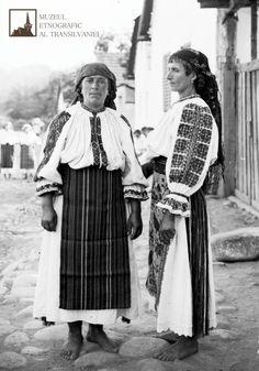 June 24 - Day of Universal exit - female traditional Transylvanian Shirts Folk Costume, Costumes, Transylvania Romania, Moldova, Short Film, Inktober, Ethnic, Old Things, June 24