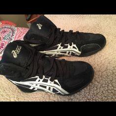 asics shoes boys size 4