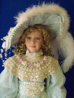 Thelma-Resch-35-Porcelain-Artist-Doll-Lady-Judith-COA-459-of-2000