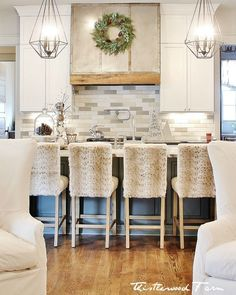 It's All About That Ceiling and 10 Simple Holiday Decorating Ideas