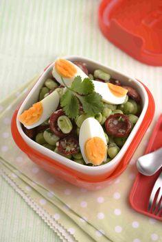 Saladinha de favas e chouriço Uma sugestão da TeleCulinária 1827.www.teleculinaria.pt