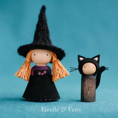 Little Witch and Her Cat Peg Dolls Waldorf Inspired Fall Halloween, Halloween Crafts, Holiday Crafts, Wood Peg Dolls, Clothespin Dolls, Tiny Dolls, Wooden Pegs, Waldorf Dolls, Felt Dolls