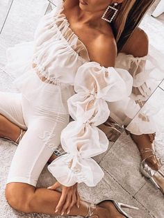 Off Shoulder Puff Sleeve Top – moontica Look Fashion, High Fashion, Womens Fashion, Fashion Design, Fashion Trends, Spring Fashion, Classy Outfits, Chic Outfits, Trendy Outfits