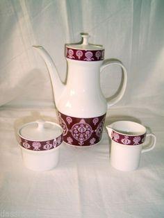Melitta-Wien-bordeaux-Kaffeekanne-Milchkaennchen-Zuckerdose-Retro-70er-Kaffeekern