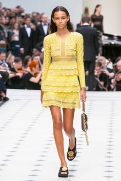 Burberry Prorsum's spring 2016 collection.