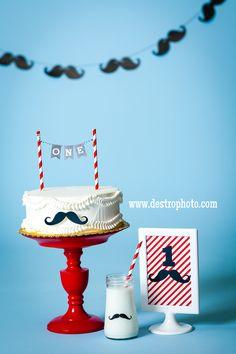 Mustache Birthday Props.  Cake Smash. First Birthday. DIY Cake plate. DIY Milk Bottle. DIY Mustache Banner. Mustache First Birthday, First Birthday Cakes, Birthday Diy, First Birthday Parties, First Birthdays, Birthday Ideas, Mustache Cake, Little Man Party, Baby Shower Deco
