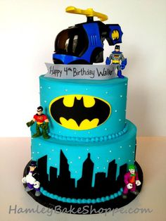 Batman Cake---Karie Moser You HAVE to make this for Boston's next birthday!!