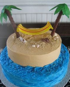 buttercream with edible hammock and other beachy stuff!