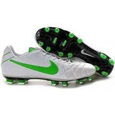 Nike Tiempo Legend IV Elite In the sheriff colours Cheap Soccer Cleats, Nike Soccer Shoes, Soccer Boots, Green Football Boots, Football Shoes, Football Cleats, Air Max Sneakers, Sneakers Nike, Boots For Sale