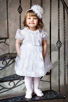 Нарядное детское платье Liola Детское платье на выбор 4 цвета  Отделка: Цветы  80-92 (6 мес-2 года)  Материал:  Гипюр/Фатин/Хлопок  Цвета: молочный, сирень, розовый, белый. http://lnk.al/3Odx