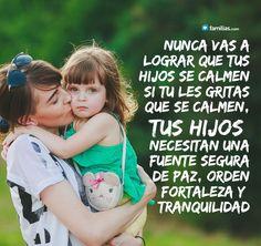 Frases de amor y familia #frases de #amor y #familia #yoamoamifamilia www.familias.com Raising Kids, Crochet Hats, Quotes, Christian Families, Quotes Love, Christians, Sons, Maturity, Spiritual