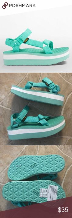 •Teva• MFKY, Flatform Sandals Brand NWOB!✨ Never been worn. Teva brand. Women's size 7. Marled Florida keys color. Flatform universal sandals. Cute, comfortable, stylish! Height of the heel: Almost 2 inches Teva Shoes Sandals
