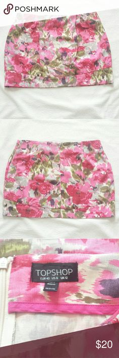 "Topshop Pretty Digital Floral Mini Skirt EUC Topshop Pretty Digital Floral Mini Skirt Back Zip Size  US 8 UK 12 Layflat measurements Waist: 16"" Length: 14"" Topshop Skirts Mini"