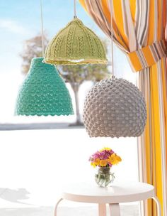 Gehaakte lampenkappen voor de Ikea-lampenkappen Melodi, Manljus en Minut.