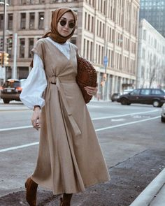 Style Hijab Casual Gendut 66 Ideas For 2019 Hijab Casual, Hijab Outfit, Stylish Hijab, Hijab Chic, Hijab Dress, Modern Hijab Fashion, Islamic Fashion, Abaya Fashion, Modest Fashion