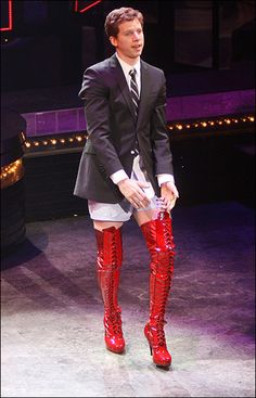 Broadway actor Stark Sands wearing those RED kinky boots from the hit musical Broadway Theatre, Musical Theatre, Broadway Shows, Broadway Costumes, Theatre Costumes, Men In Heels, Star Boots, Broken Leg, Costume Design