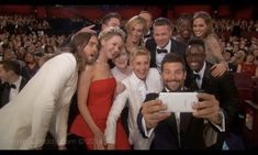 Ellen Degeneres is joined by a bunch of celebs as they all pose for an epic selfie during the 2014 Oscars in Hollywood on Sunday (March The record-breaking viral photo includes Jared Leto, Lupi… Ellen Degeneres, Colin O'donoghue, James Mcavoy, Brad Pitt, Angelina Jolie, Norman Reedus, Vanity Fair, Divas, Celebrity Selfies