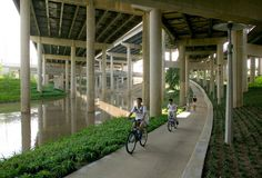 Buffalo Bayou Promenade by SWA-03-Tom-Fox « Landscape Architecture Works | Landezine