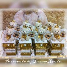 🍼Muitas lembrancinhas lindas indo para o chá de bebê do Príncipe Enzo. 👉Faça um orçamento conosco através do WhatsApp: 12 991913232 ou através do e-mail: decorandobybrunahonda@yahoo.com.br Aguardamos seu contato. #decorandobybrunahonda #enfeitematernidade #quadromaternidade #lembrancinha #maternidade #maternity #baby #babyboom #pregnant #decor #convites #decoracao #bebe #babyboy #babygirl #mimos #chadebebe #personalizacao #personalizado #decoracaoprovencal #provencal #requinte #luxo…
