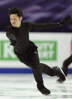 2011-04-26 スケート高橋好調、織田も上向き/世界フィギュア公式練習|公式練習で調整する高橋大輔=モスクワ(共同)