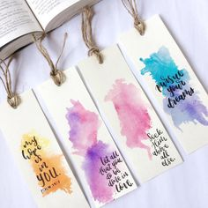 Bookmarks Quotes, Paper Bookmarks, Watercolor Bookmarks, Watercolor Cards, Art N Craft, Diy Art, Bookmark Printing, Creative Bookmarks, Hand Lettering Art