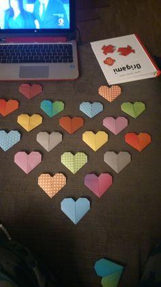 Valentinstagsdeko Origamiherzen