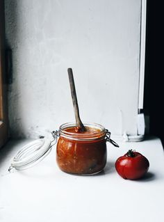 Marcella Hazan's tomato sauce with butter and onion